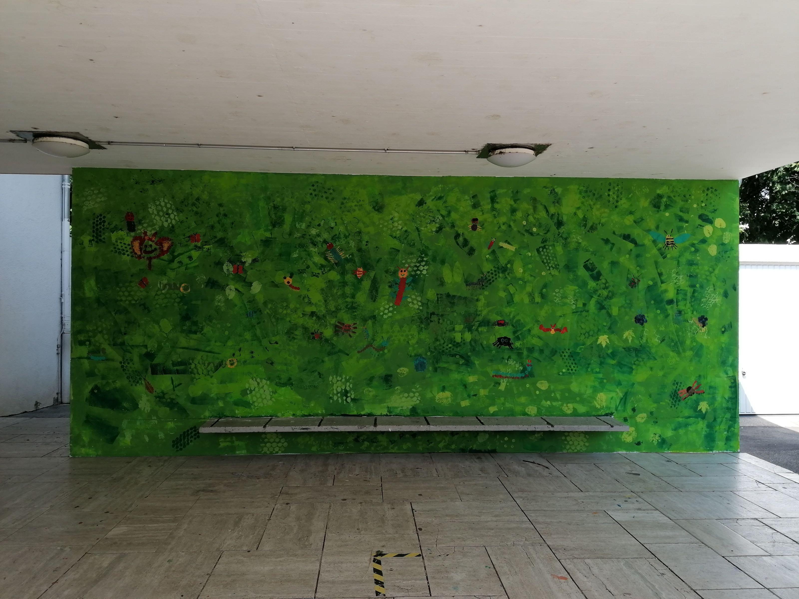 Die Schulwand wurde in der Schulkindbetreuung neu gestaltet.